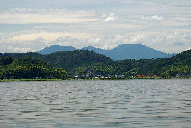 あやめ池から望む大山1