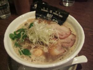 九州麺酒房、響・こく旨響