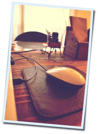 マウスパッド革