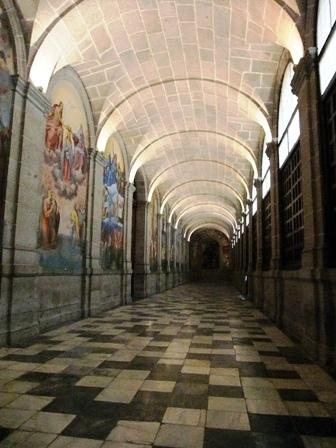 教会側回廊