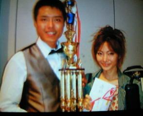 ジャパンオープン男子優勝、「火雲邪神」張榮麟(ザン・ロンリン)と。 RT @taiwannp: @accolynx ということで、今年のジャパン・オープンは男子、女子ともに台湾が優勝。0A