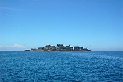 海上から見た軍艦島04