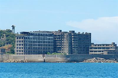 海上から見た軍艦島05
