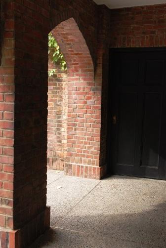 煉瓦の回廊