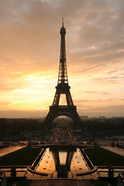 Tour.Eiffel.at.Sunrise.from.the.trocadero.jpg
