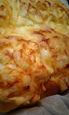 チーズたっぷりオニオンベーコン♪