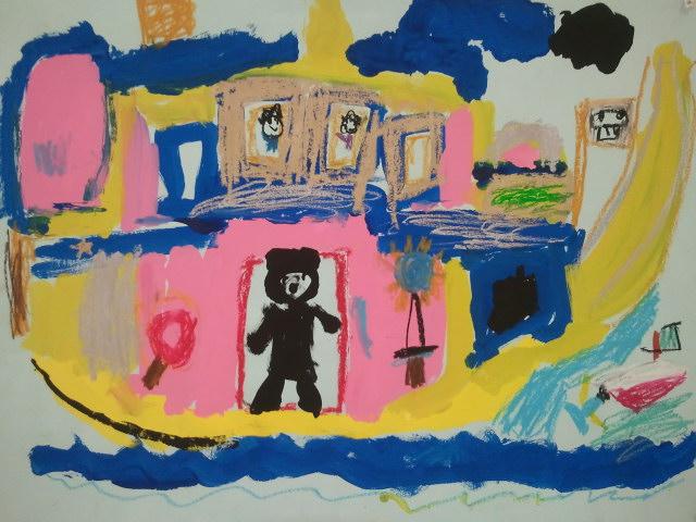 子供の絵とか障害者の作品も展示されてた
