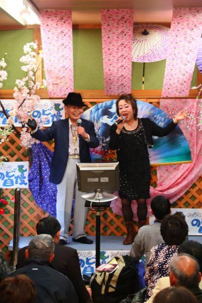47 第02回元気わくわくみのり~や のど自慢カラオケ 葵かを里新曲「桂川」 発表コンサート