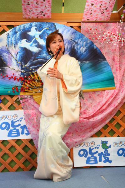 59 第02回元気わくわくみのり~や のど自慢カラオケ 葵かを里新曲「桂川」 発表コンサート