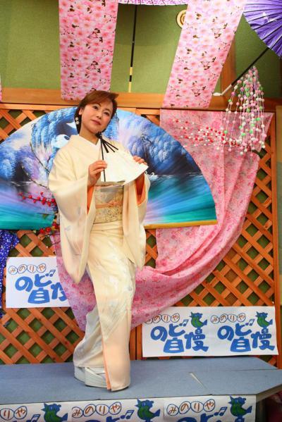63 第02回元気わくわくみのり~や のど自慢カラオケ 葵かを里新曲「桂川」 発表コンサート
