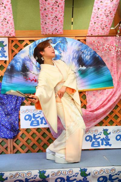 66 第02回元気わくわくみのり~や のど自慢カラオケ 葵かを里新曲「桂川」 発表コンサート