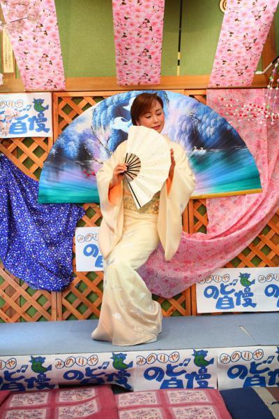 73 第02回元気わくわくみのり~や のど自慢カラオケ 葵かを里新曲「桂川」 発表コンサート