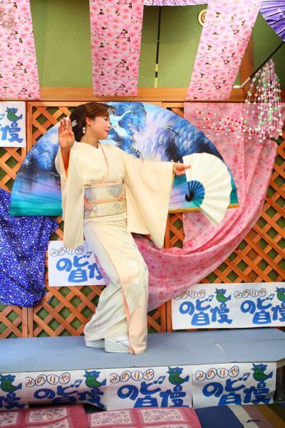 74 第02回元気わくわくみのり~や のど自慢カラオケ 葵かを里新曲「桂川」 発表コンサート