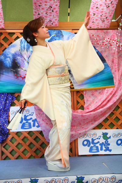 71 第02回元気わくわくみのり~や のど自慢カラオケ 葵かを里新曲「桂川」 発表コンサート