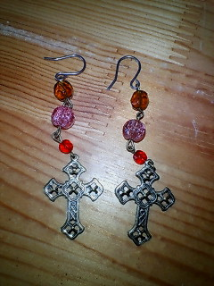 十字架ピアス
