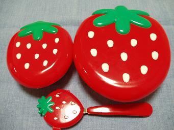 イチゴのお弁当箱