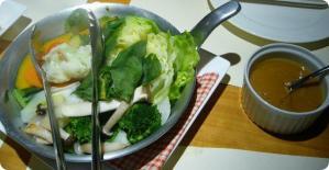 モアクッチーナ 季節野菜の温サラダ バーニャカウダ1