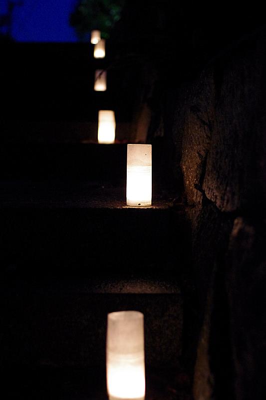 石段の灯り