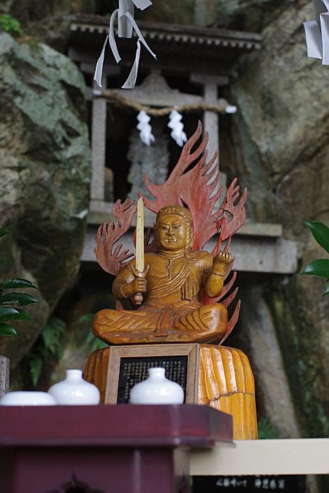 木彫りの仏様