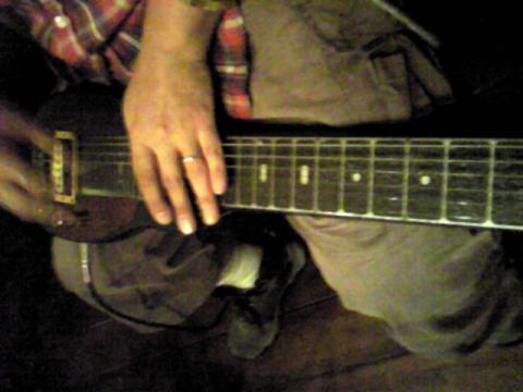 堅さんのラップスティールギター