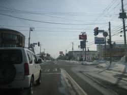 忠和小学校前の道路