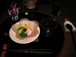 前菜とブルーベリーのドリンク
