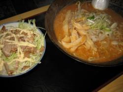 味噌ラーメンとチャーマヨ丼(ミニ)