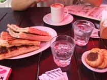 トーストとカフェでお茶をしました~♪