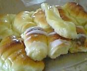 これがアルゼンチンの菓子パンです