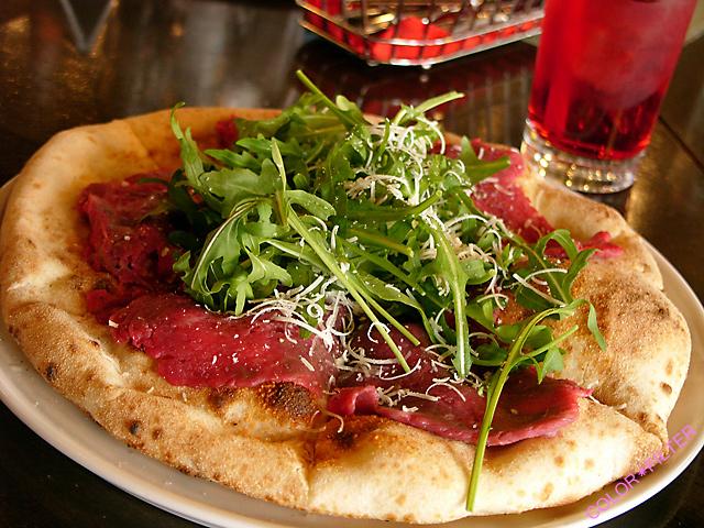 季節の限定ピザ