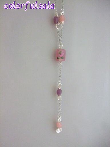 ピンクのミニバラと銀鳥4