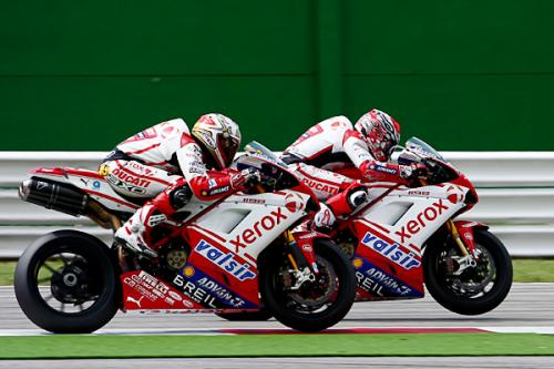 WMK_Ducati-SBK_700-podi.jpg