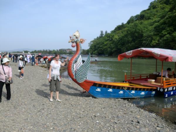 カウチサーフィン(シンガポール、イヴェッタ)、三船祭