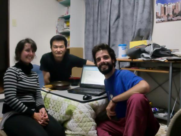 カウチサーフィン(ポルトガル、テレサとジョアオと私)、我が家にて。