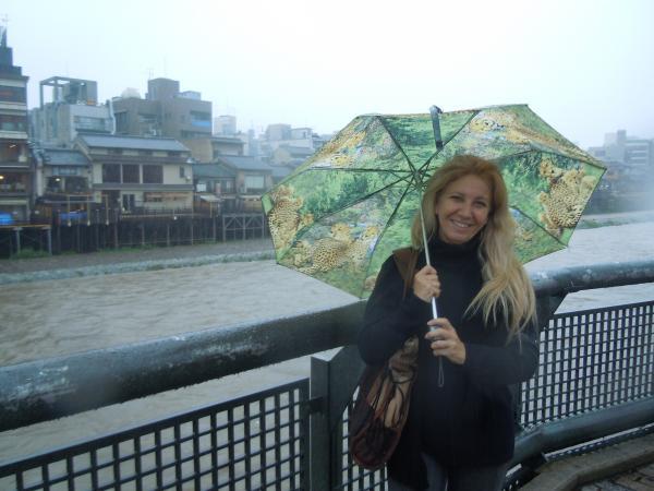 カウチサーフィン(ブラジル、レジーナ)、鴨川