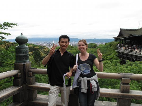 カウチサーフィン(シンガポール)、イヴェッタと私、清水寺にて。