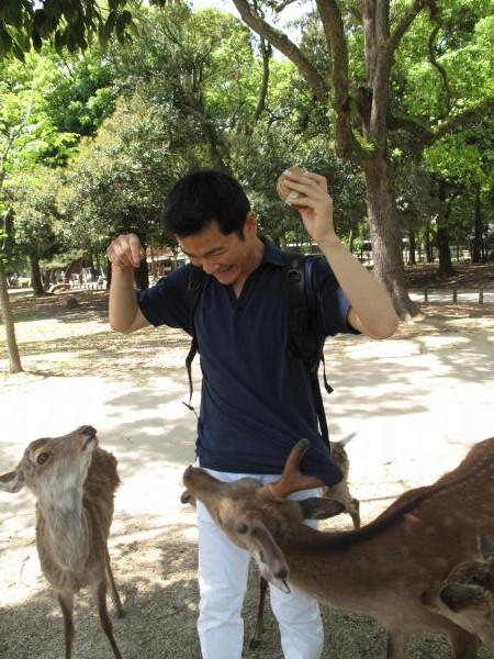 私と鹿。奈良公園にて。