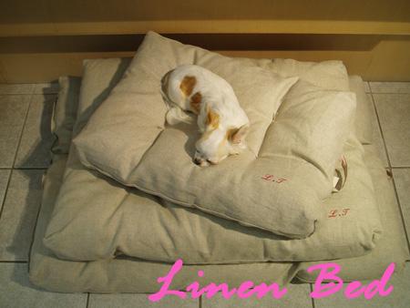 linenbed1.jpg