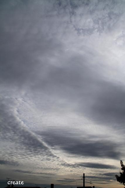 DPP0 668 023不気味な雲縦0443