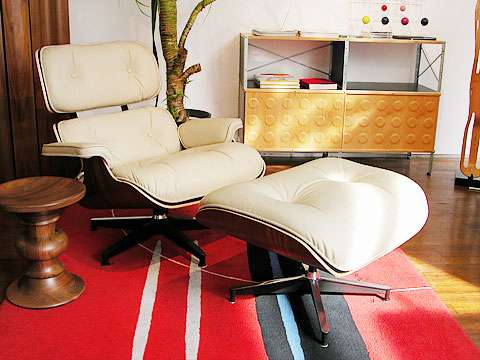 Eames Lounge Chair and Ottoman_002