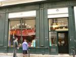 パリ・アンティークボタン・レースのお店。