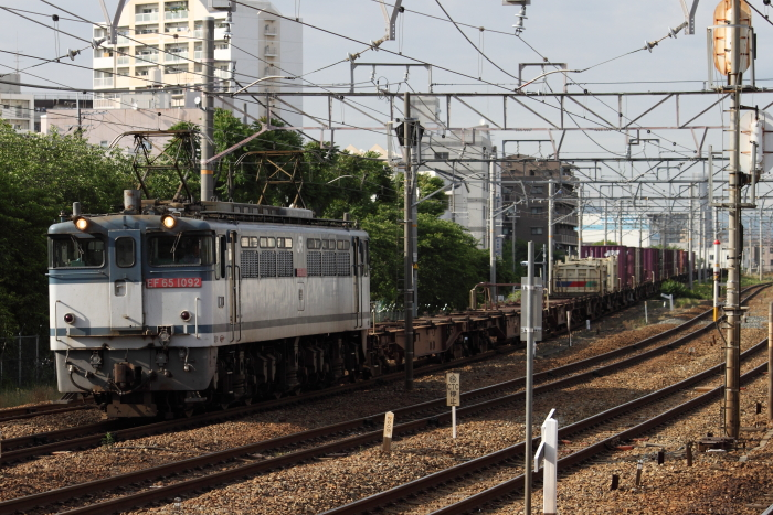 EF65-1092の75レ(東淀川)