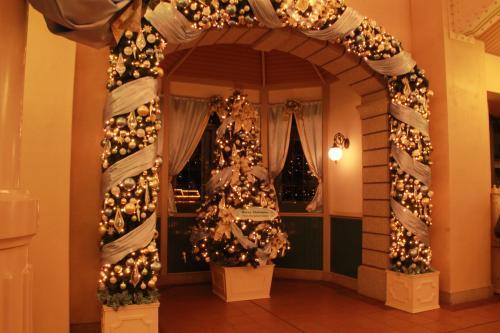 christmas_RL_tree_01.jpg