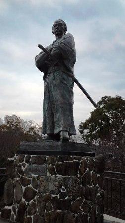 坂本龍馬銅像 web