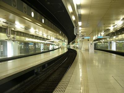 天神博多駅