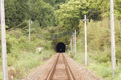 道へのトンネル?