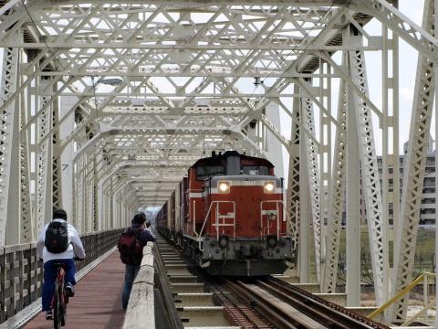 赤川鉄橋DD51-2