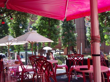 ピンクのカフェ3
