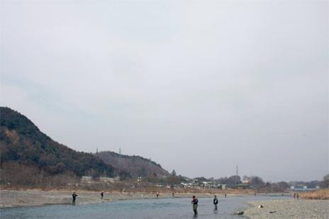 解禁翌日の多摩川