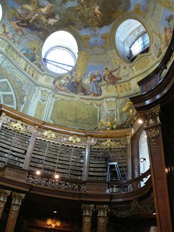 世界一美しい図書館